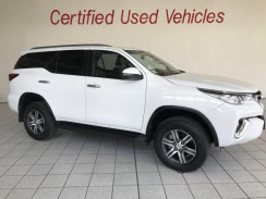 Toyota Fortuner 2.4gd-6 4x4 A/t '17 - Current