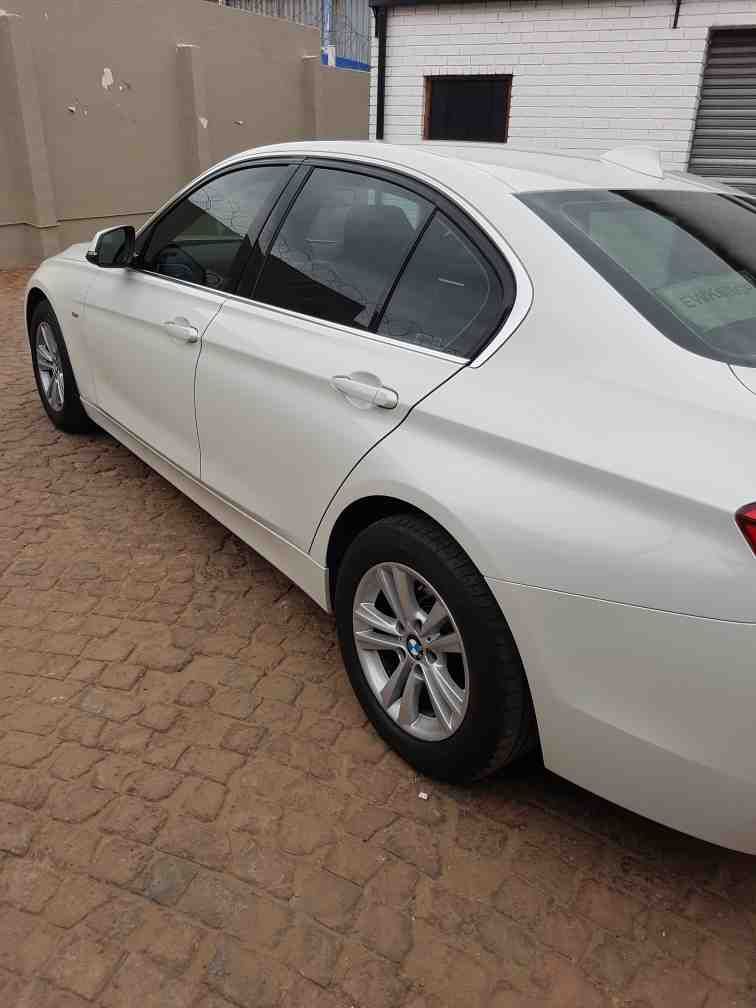 Bmw 3 Series 320i Luxury Line (f30) '15 - Current